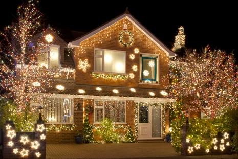 Getting Started with Hanging Exterior Christmas Lights