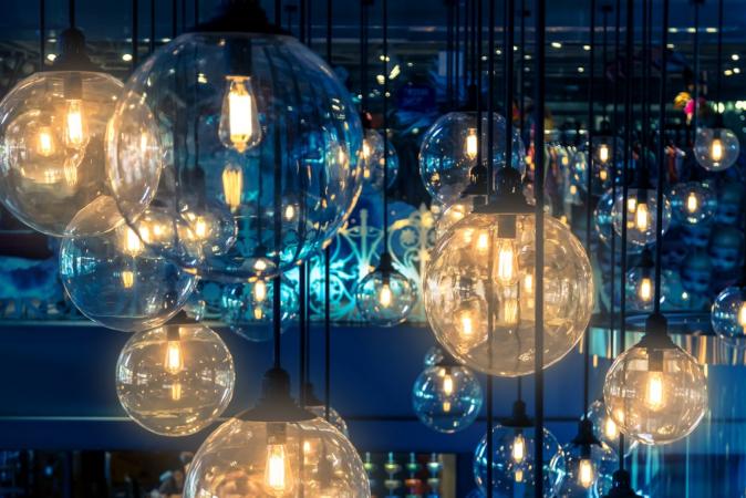 Savings on Christmas Lights? It's Possible!